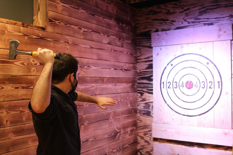 Lefty's axe throwing in lewes delaware
