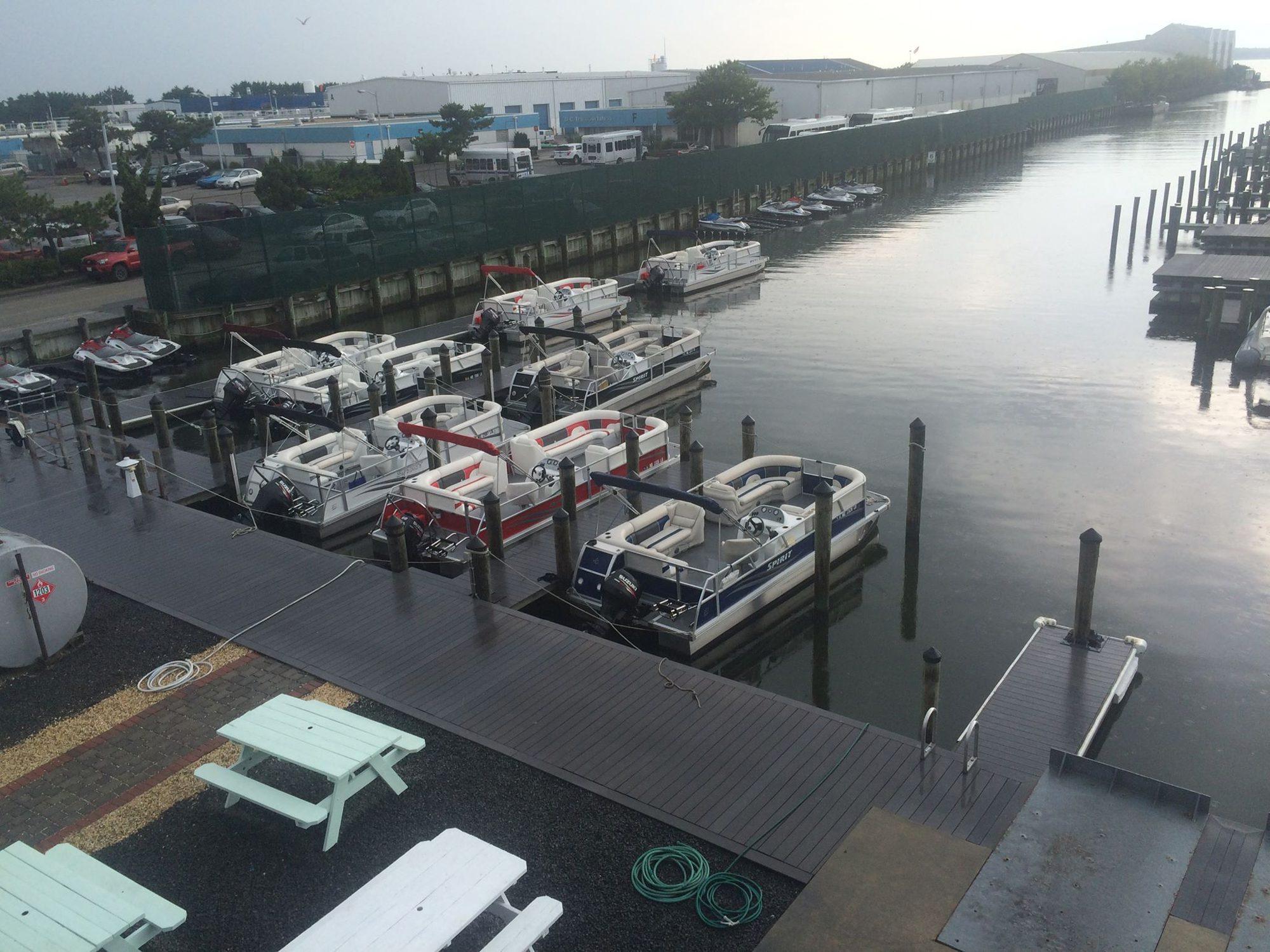advanced marina pontoon large
